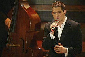 Micheal Buble Singing
