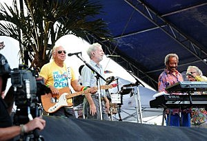 Jimmy-Buffett-300x205