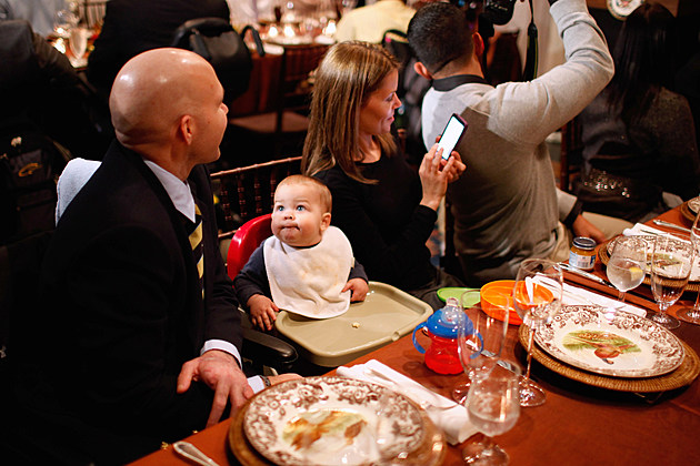 Bidens Host Wounded Troops And Families For Thanksgiving Celebration