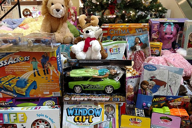 Santa Toys For Tots : You can play santa claus at this friday s toys for tots a thon